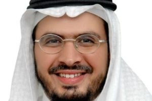 حقيقة إعفاء الدكتور عمر الهزازي من جامعة أم القري| والطلاب.. كلنا عمر الهزازي