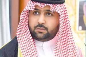 """أمير جازان يعزي أسرة الإعلامي """"الحكمي"""" المتوفى غرقا أثناء ممارسته السباحة"""