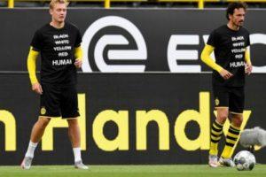 لاعبو بوروسيا دورتموند يتضامنون مع جورج فلويد ضحية العنصرية